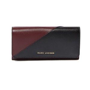 {marc jacobs} metal letters saffiano flap wallet
